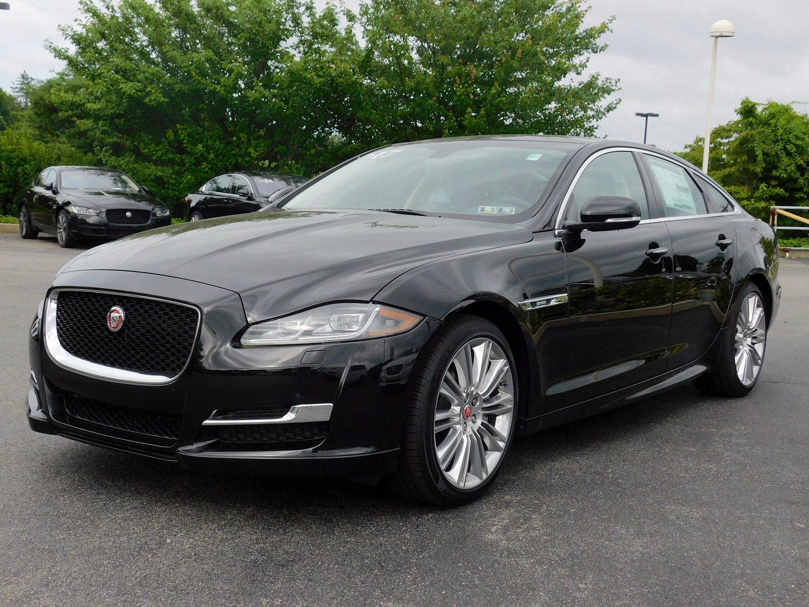 fwd jaguar mkz in hybrid car inventory owned cincinnati used lincoln pre